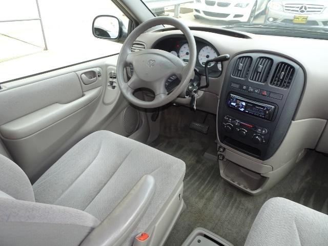2002 Dodge Grand Caravan eX - Photo 12 - Cincinnati, OH 45255