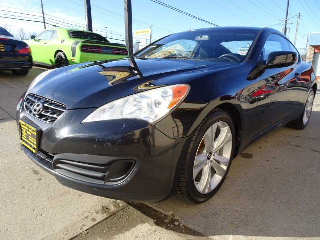 2010 Hyundai Genesis Coupe 2.0T Track - Photo 9 - Cincinnati, OH 45255