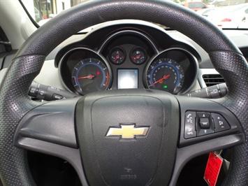2011 Chevrolet Cruze LS - Photo 15 - Cincinnati, OH 45255