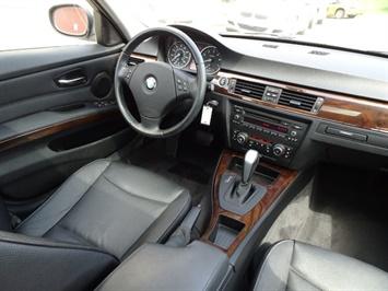 2011 BMW 328i xDrive - Photo 6 - Cincinnati, OH 45255