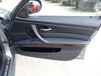 2011 BMW 328i xDrive - Photo 21 - Cincinnati, OH 45255
