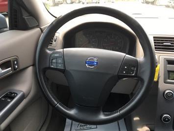 2008 Volvo C30 T5 Version 1.0 - Photo 17 - Cincinnati, OH 45255