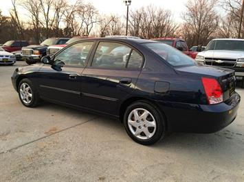 2004 Hyundai Elantra GLS - Photo 4 - Cincinnati, OH 45255