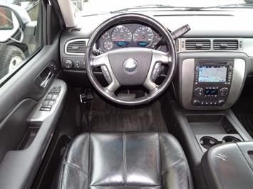 2007 Chevrolet Suburban LTZ 1500 4dr SUV - Photo 11 - Cincinnati, OH 45255
