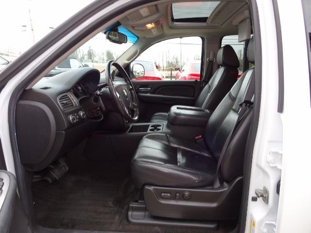 2007 Chevrolet Suburban LTZ 1500 4dr SUV - Photo 7 - Cincinnati, OH 45255