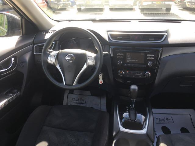 2015 Nissan Rogue SV - Photo 7 - Cincinnati, OH 45255