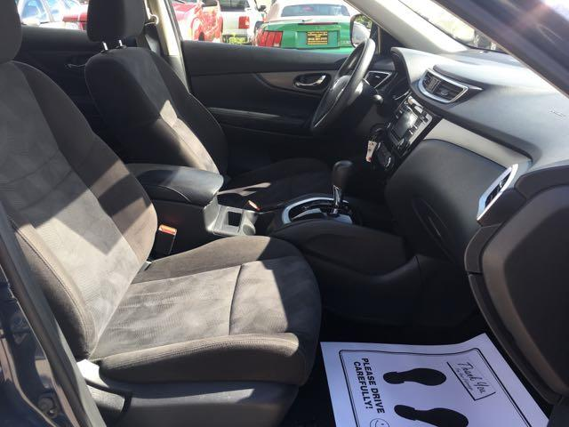 2015 Nissan Rogue SV - Photo 14 - Cincinnati, OH 45255