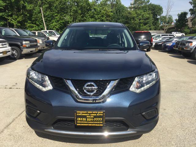 2015 Nissan Rogue SV - Photo 2 - Cincinnati, OH 45255