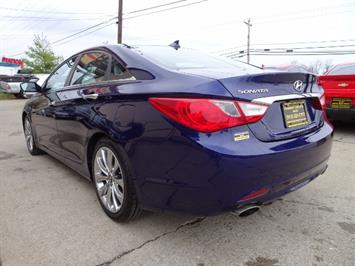 2012 Hyundai Sonata SE - Photo 11 - Cincinnati, OH 45255