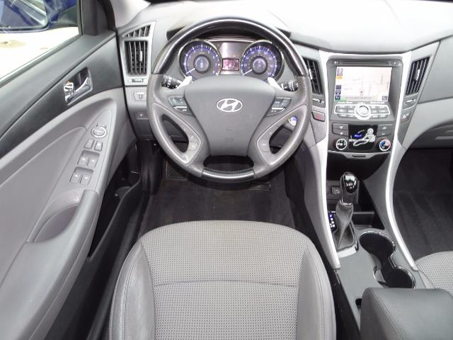 2012 Hyundai Sonata SE - Photo 12 - Cincinnati, OH 45255