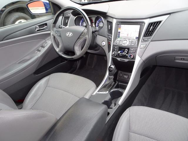 2012 Hyundai Sonata SE - Photo 6 - Cincinnati, OH 45255
