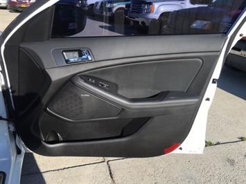 2012 Kia Optima SX Turbo - Photo 25 - Cincinnati, OH 45255