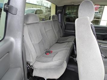 2005 GMC Sierra 3500 SLE 4dr Extended Cab SLE - Photo 15 - Cincinnati, OH 45255