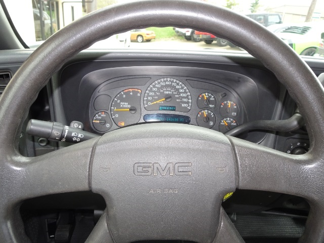 2005 GMC Sierra 3500 SLE 4dr Extended Cab SLE - Photo 16 - Cincinnati, OH 45255