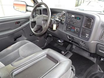2005 GMC Sierra 3500 SLE 4dr Extended Cab SLE - Photo 12 - Cincinnati, OH 45255