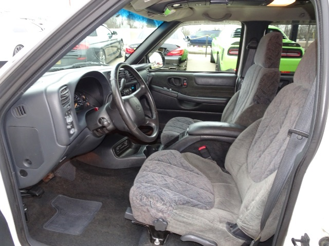 2002 Chevrolet S-10 LS 4dr Crew Cab LS - Photo 7 - Cincinnati, OH 45255