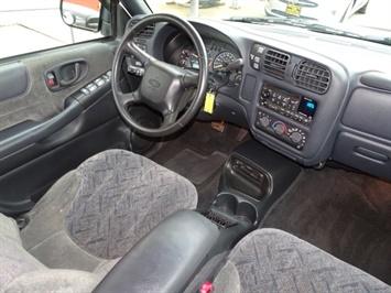 2002 Chevrolet S-10 LS 4dr Crew Cab LS - Photo 12 - Cincinnati, OH 45255
