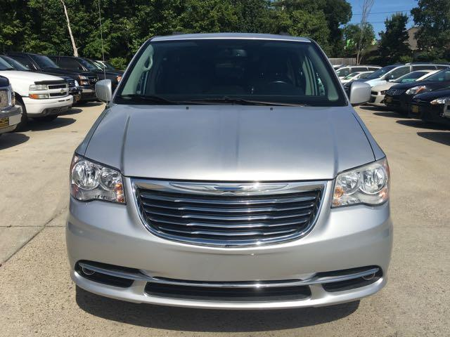 2012 Chrysler Town & Country Touring - Photo 2 - Cincinnati, OH 45255