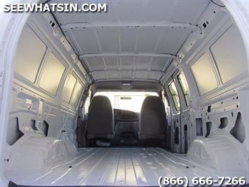 1999 Ford E-Series Van E150 CARGO VAN  V8 - Photo 2 - Las Vegas, NV 89118