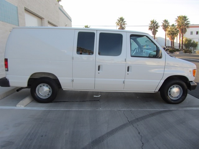 1999 Ford E-Series Van E150 CARGO VAN  V8 - Photo 12 - Las Vegas, NV 89118