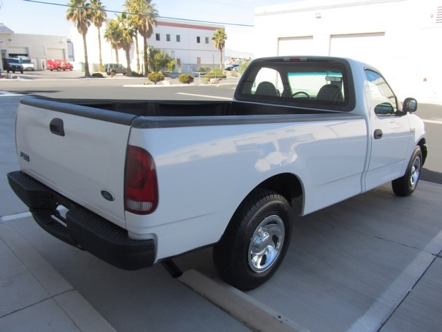 2001 Ford F-150 XL - Photo 12 - Las Vegas, NV 89118