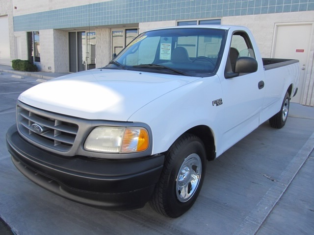 2001 Ford F-150 XL - Photo 4 - Las Vegas, NV 89118