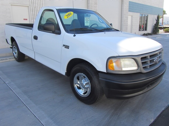 2001 Ford F-150 XL - Photo 8 - Las Vegas, NV 89118