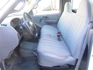 2001 Ford F-150 XL - Photo 7 - Las Vegas, NV 89118