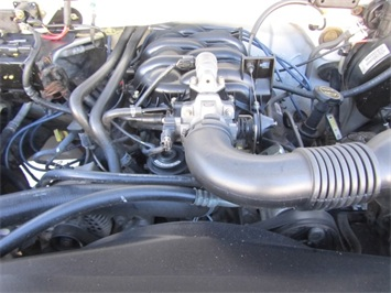 2001 Ford F-150 XL - Photo 18 - Las Vegas, NV 89118
