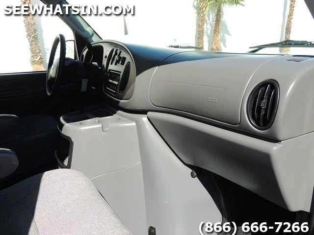 2004 Ford E-Series Cargo E-250 - Photo 24 - Las Vegas, NV 89118