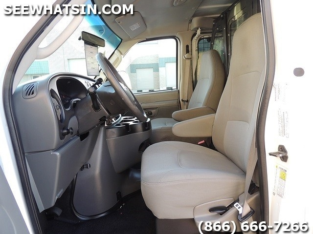 2008 Ford E-Series Cargo E-250 Cargo Van - Photo 4 - Las Vegas, NV 89118