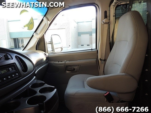 2008 Ford E-Series Cargo E-250 Cargo Van - Photo 24 - Las Vegas, NV 89118