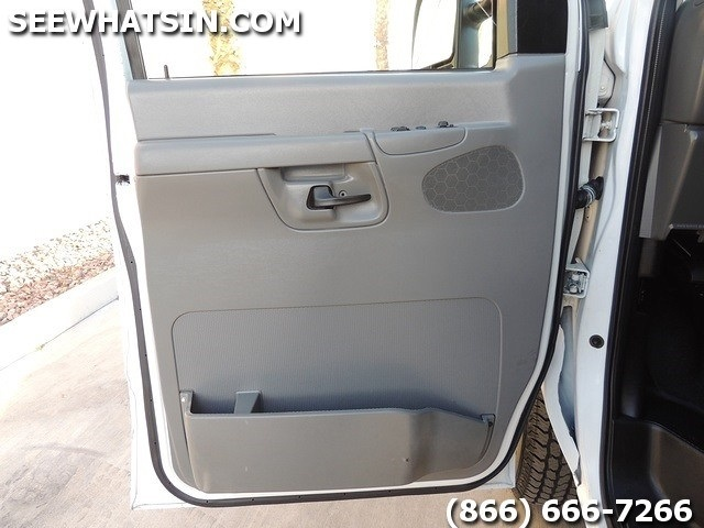 2008 Ford E-Series Cargo E-250 Cargo Van - Photo 18 - Las Vegas, NV 89118