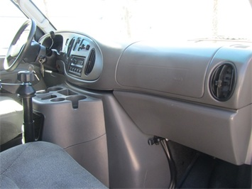 2004 Ford Econoline Cargo - Photo 25 - Las Vegas, NV 89118