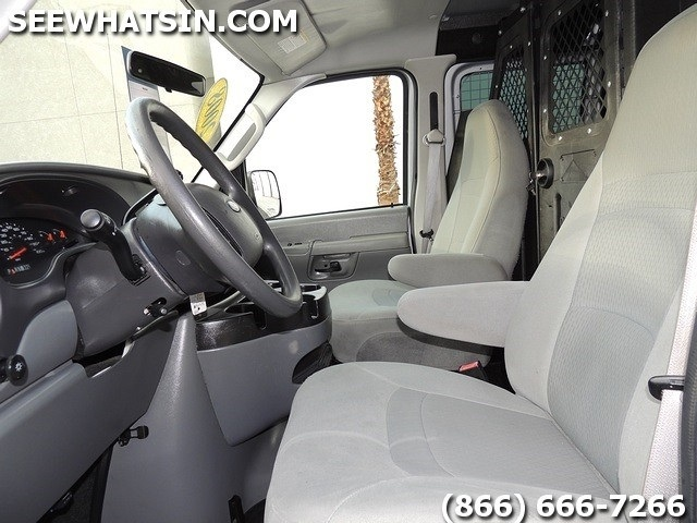 2008 Ford E-Series Cargo E-350 SD - Photo 4 - Las Vegas, NV 89118