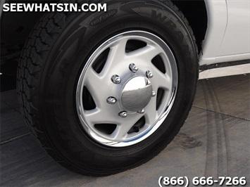 2006 Ford E-Series Cargo E-250 - Photo 31 - Las Vegas, NV 89118