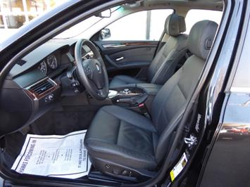 2009 BMW 535xi,NAV,PREM PKG,,TRIPLE BLACK,SILVER CERTIFID - Photo 10 - Burlington, NJ 08016