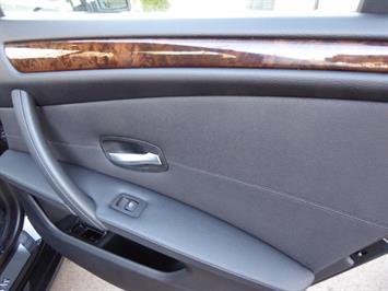 2009 BMW 535xi,NAV,PREM PKG,,TRIPLE BLACK,SILVER CERTIFID - Photo 14 - Burlington, NJ 08016