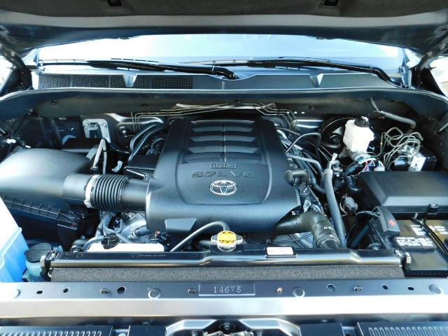 2015 Toyota Tundra PLATINUM / CrewMax / 4WD / FULLY LOADED / 1-OWNER - Photo 31 - Portland, OR 97217