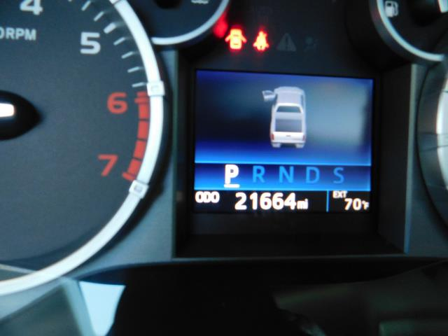 2015 Toyota Tundra PLATINUM / CrewMax / 4WD / FULLY LOADED / 1-OWNER - Photo 21 - Portland, OR 97217