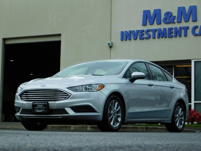 2017 Ford Fusion SE / 4Dr Sedan / Backup Camera / ONLY  10K MILES - Photo 1 - Portland, OR 97217