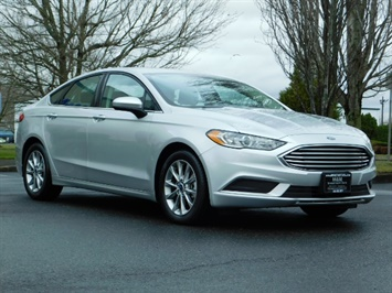 2017 Ford Fusion SE / 4Dr Sedan / Backup Camera / ONLY  10K MILES Sedan
