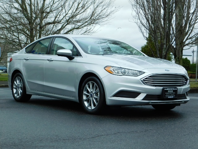 2017 Ford Fusion SE / 4Dr Sedan / Backup Camera / ONLY  10K MILES - Photo 2 - Portland, OR 97217
