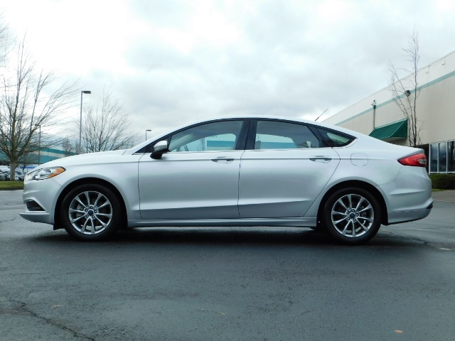 2017 Ford Fusion SE / 4Dr Sedan / Backup Camera / ONLY  10K MILES - Photo 3 - Portland, OR 97217