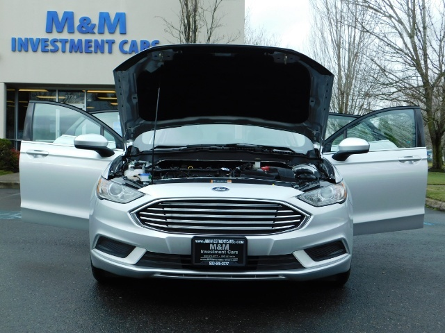 2017 Ford Fusion SE / 4Dr Sedan / Backup Camera / ONLY  10K MILES - Photo 33 - Portland, OR 97217