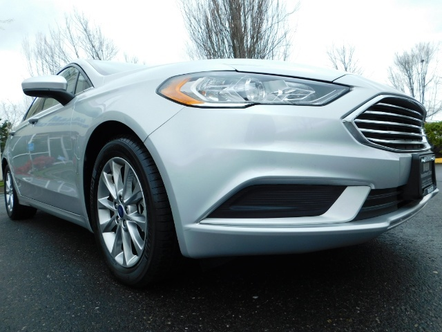 2017 Ford Fusion SE / 4Dr Sedan / Backup Camera / ONLY  10K MILES - Photo 10 - Portland, OR 97217