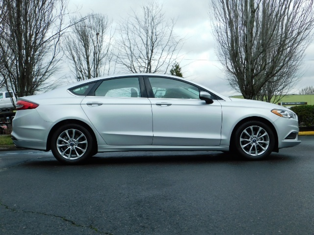 2017 Ford Fusion SE / 4Dr Sedan / Backup Camera / ONLY  10K MILES - Photo 4 - Portland, OR 97217