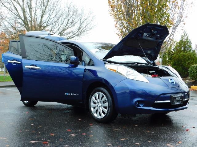 2016 Nissan Leaf S-24 / Backup camera / Quick Charge Port / 1-OWNER - Photo 32 - Portland, OR 97217