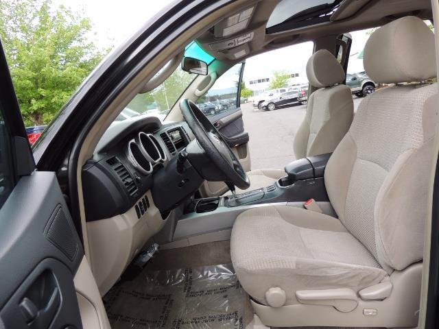 2003 Toyota 4Runner SR5 V6 / 4X4 / DIFF LOCK / LIFTED - Photo 14 - Portland, OR 97217