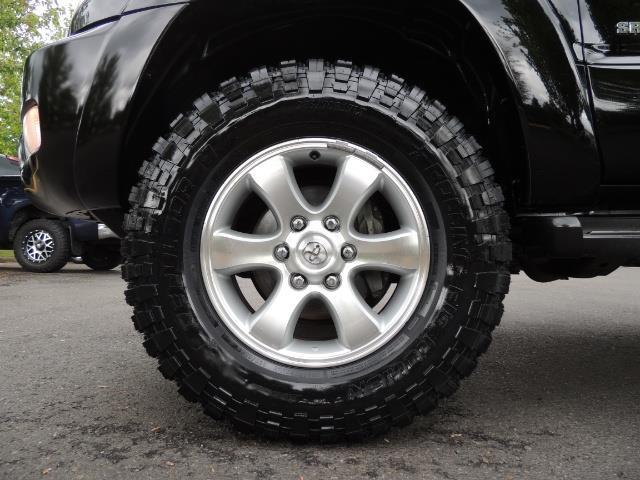 2003 Toyota 4Runner SR5 V6 / 4X4 / DIFF LOCK / LIFTED - Photo 23 - Portland, OR 97217